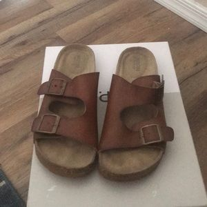 Mossimo supply buckle sandals SZ 8